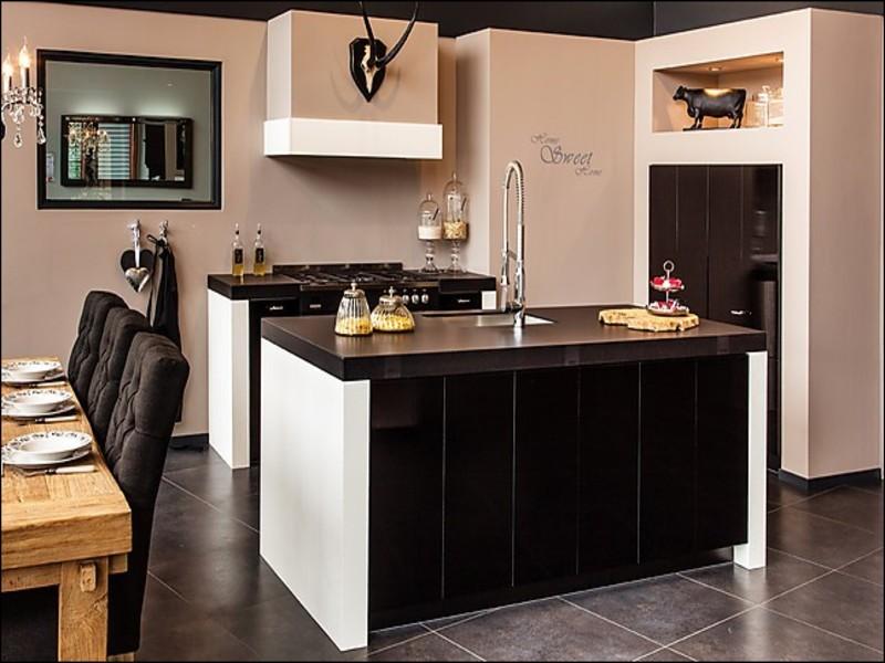 Nuva keukens showroomkeukens bestekeuken