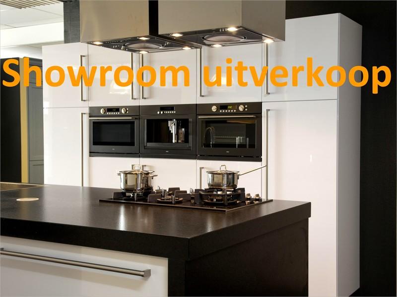 Keukens Showroom Uitverkoop