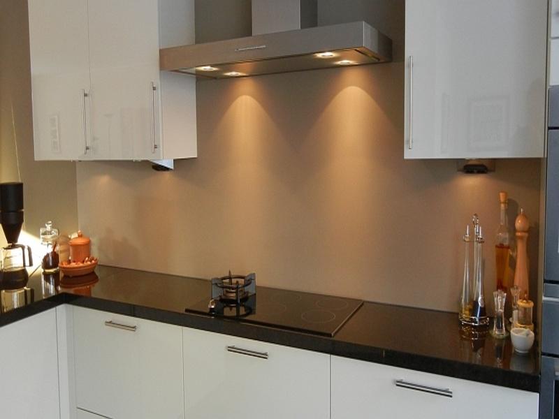 Achterwand Keuken Over Tegels Heen