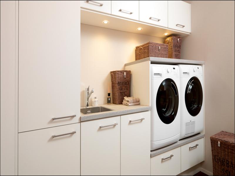 Keuken Met Wasmachine En Droger