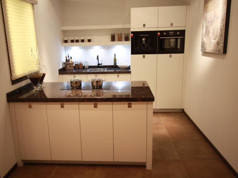 Kleine Keuken Met Eiland